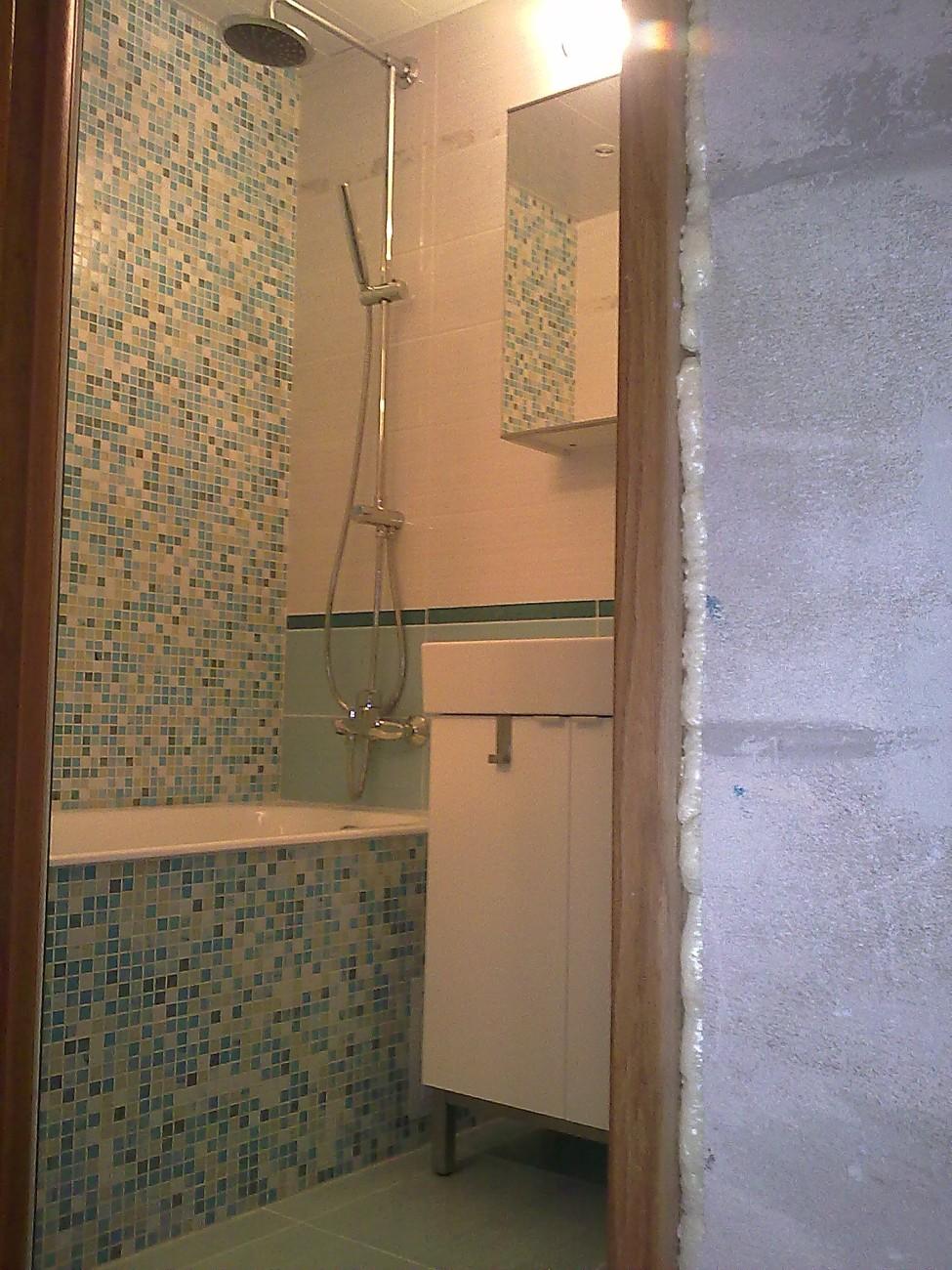 Ремонт в ванной  установка ванной 133
